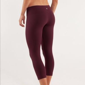Lululemon NWOT maroon wonder under leggings